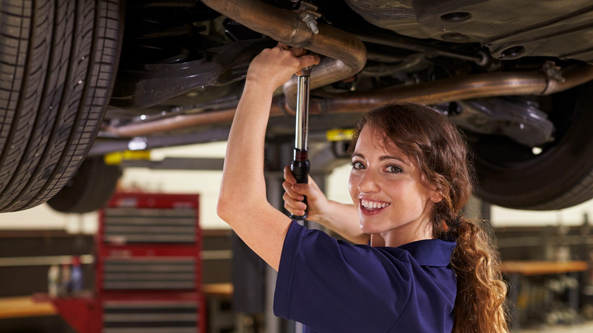 How to Become an Automotive Mechanic | Career Girls - Explore Careers