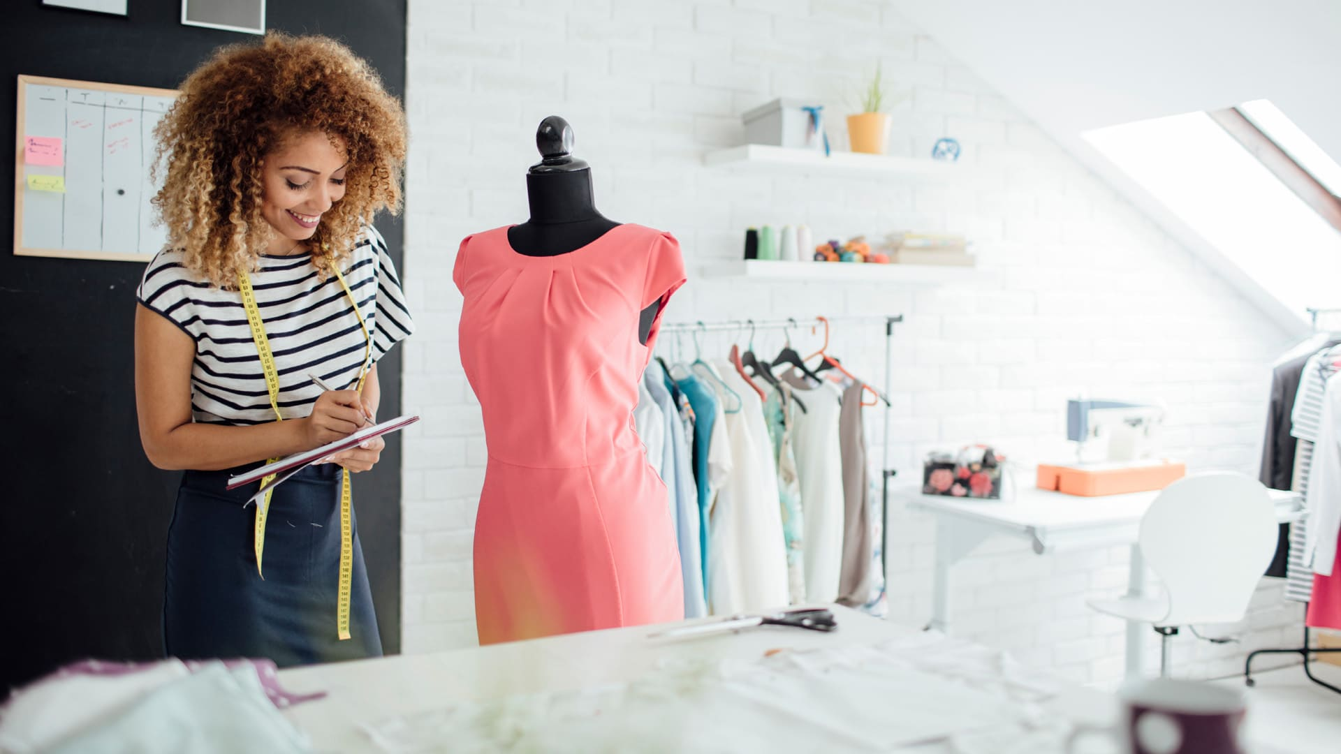 How To Become A Fashion Designer Career Girls Explore Careers